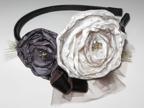 Flower and Tulle Elizabeth headband. Handmade by Plume And Bloom | by PlumeAndBloom