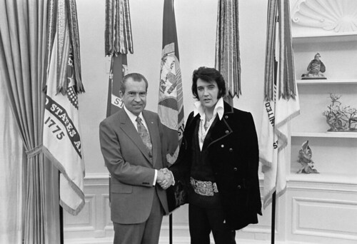Richard M. Nixon and Elvis Presley at the White House | by The U.S. National Archives