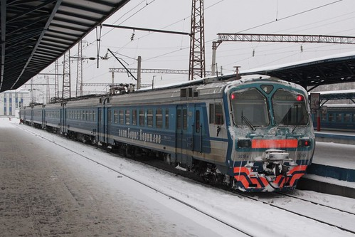 Type ЭД9М (ED9M) electric multiple unit ЭД9М 0265 between runs
