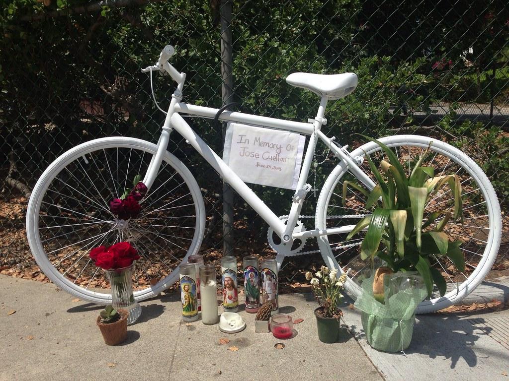 Ghost Bike, Avenue 64