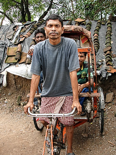 Gorelal Bhavedi (40) is a rickshaw-puller, displaced by the Bargi dam.