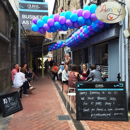 Happy 10th anniversary, @dukescoffeeco! A fabulous chance to celebrate ten years on Carey's Lane, #CorkCity #corkwalkies #dukescoffee