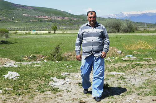 Zaal Akhalkatsi, a local coordinator from the village Dvani, near the boundary line with South Ossetia | by UNDP in Europe and Central Asia