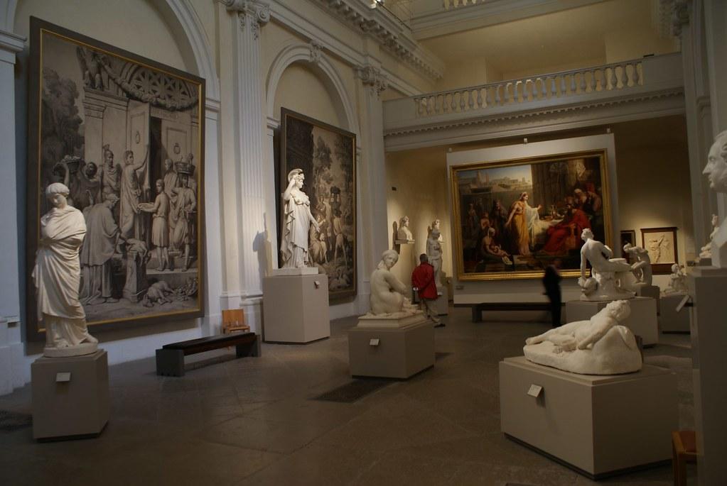 Salles des sculptures au musée des Beaux Arts de Lyon.