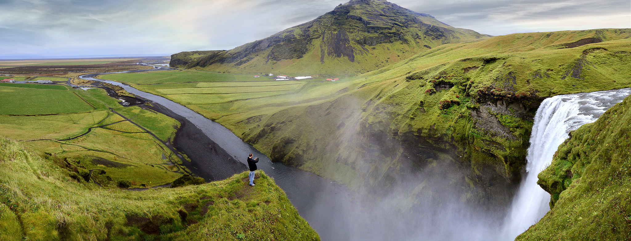 Skogafoss, Reminds you how tiny we all are