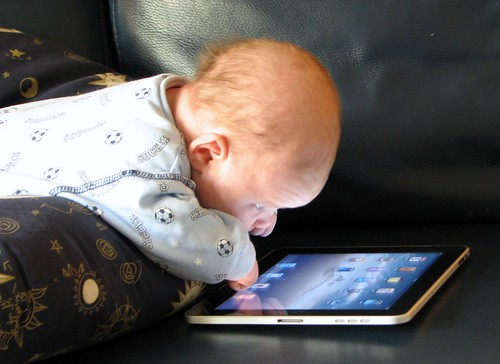 Baby Sees The iPad Magic | by umpcportal.com