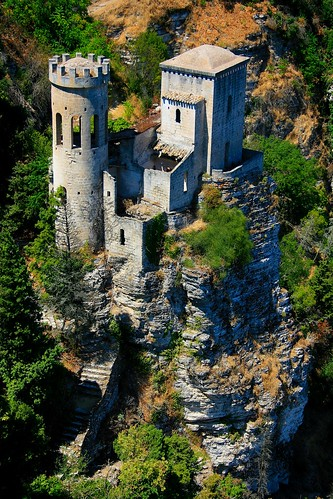 Il piccolo castello / The little castle (Erice, Sicily, Italy) | by AndreaPucci
