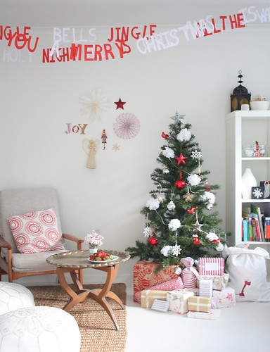 christmas-room-1 | by the happy home