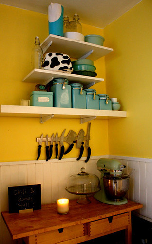 ideas for small spaces cheery yellow kitchen blue accen flickr. Black Bedroom Furniture Sets. Home Design Ideas