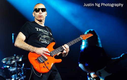 19-10-2010 - Joe Satriani @ HMV Hammersmith Apollo (1642) | by justin_ng