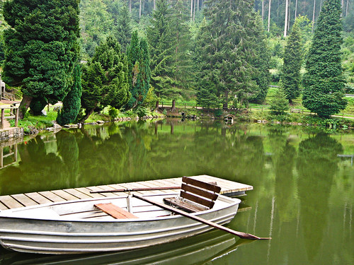 Boat in the green lake | by MrAchab