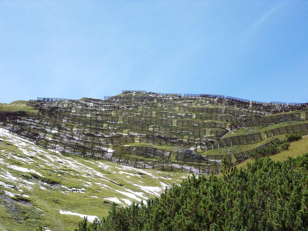 Snow fences near Blaserhutte