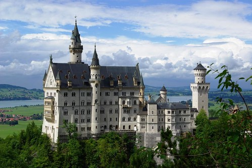 Neuschwanstein Castle | by kanu101