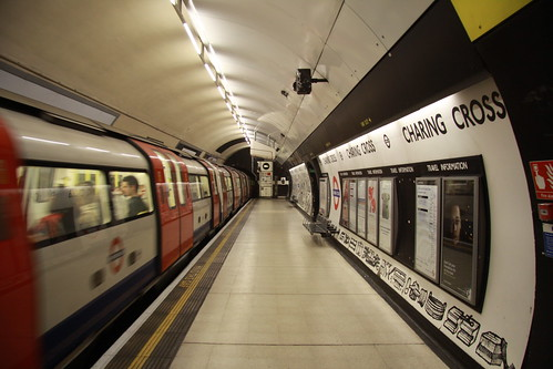 Train departing Charing Cross, Northern line southbound