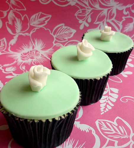 Pale green wedding cupcake favours | by Star Bakery (Liana)