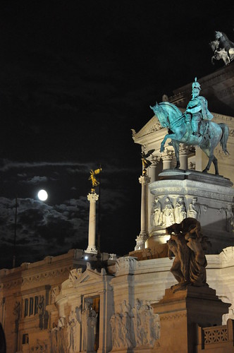 Monument Vittorio Emmanuele at Night | by Food Lovers Odyssey