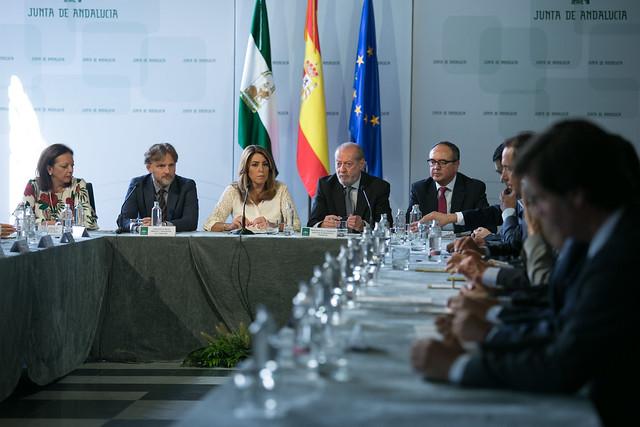 09- 200917 Firma Contrato 12 Estaciones Depuradoras, Andalucía.