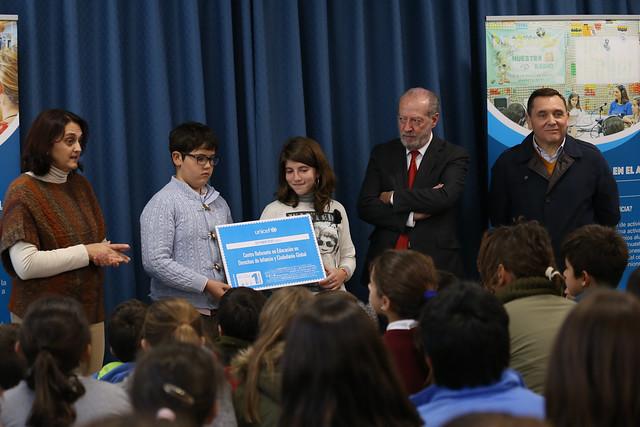 12-041217 Visita Colegio Umbrete, premio UNICEF