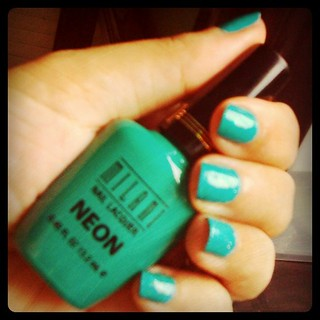 MILANI NEON FRESH TEAL + ESSENCE COLOR & GO Glisten Up! | by Dinndi ♥ ♥ ♥