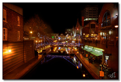 Canals of Birmingham by Night | by rjt208