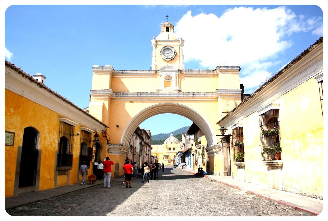 Antigua Street & Arch