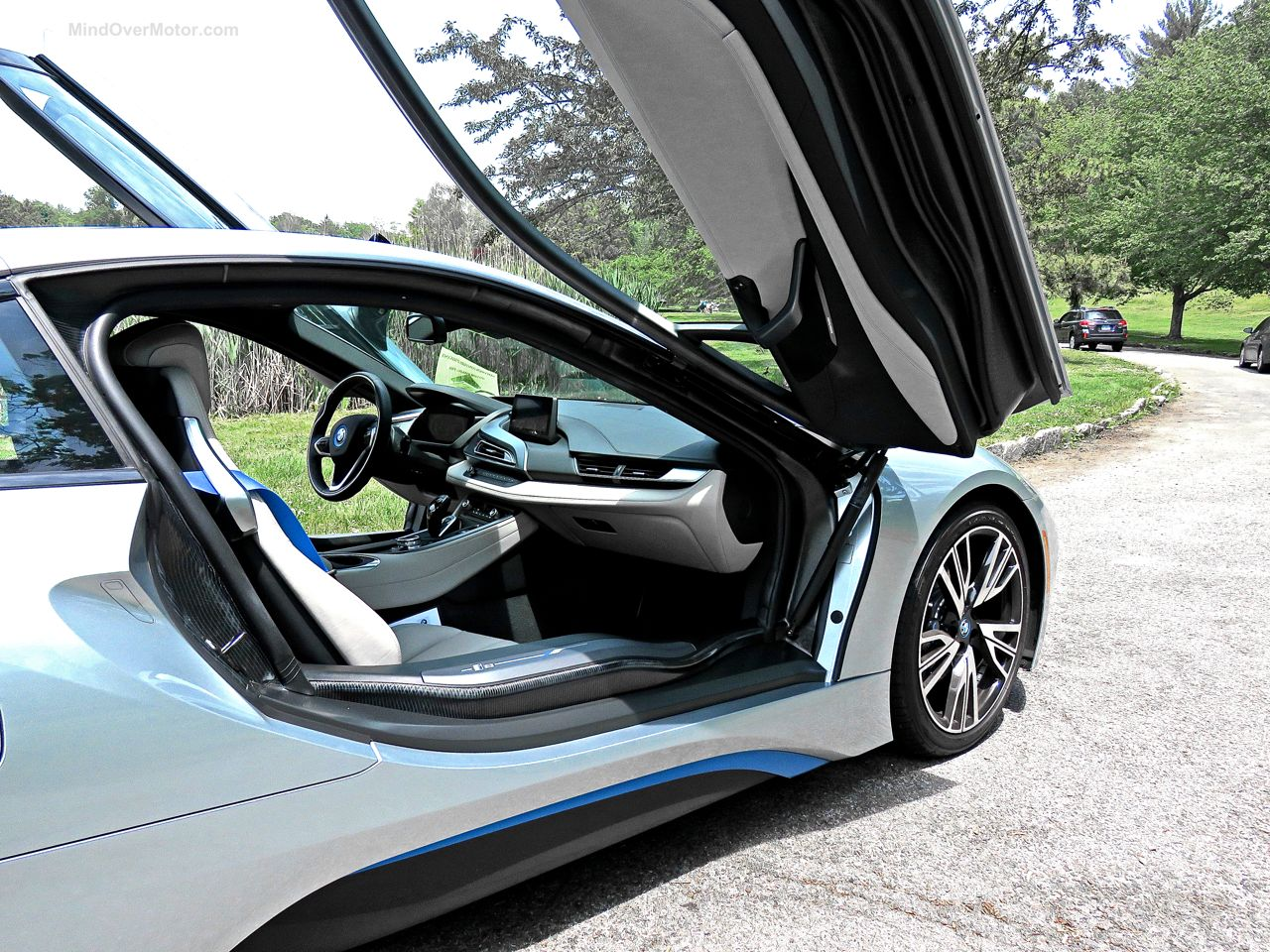 BMW i8 Review 8