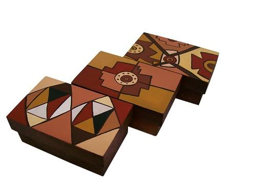 Cajas de madera pintadas a mano nativa objetos flickr - Cajas de madera pintadas a mano ...