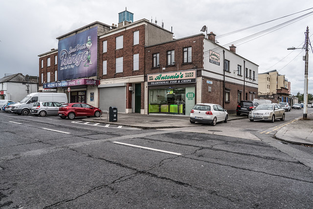 QUARRY ROAD IN CABRA [THE CABRA GRAND]-121595