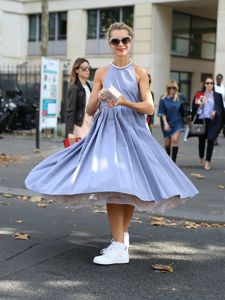 something fashion blogger valencia, spain fblog moda, streetstyle tips sneakers dress skirt how to wear