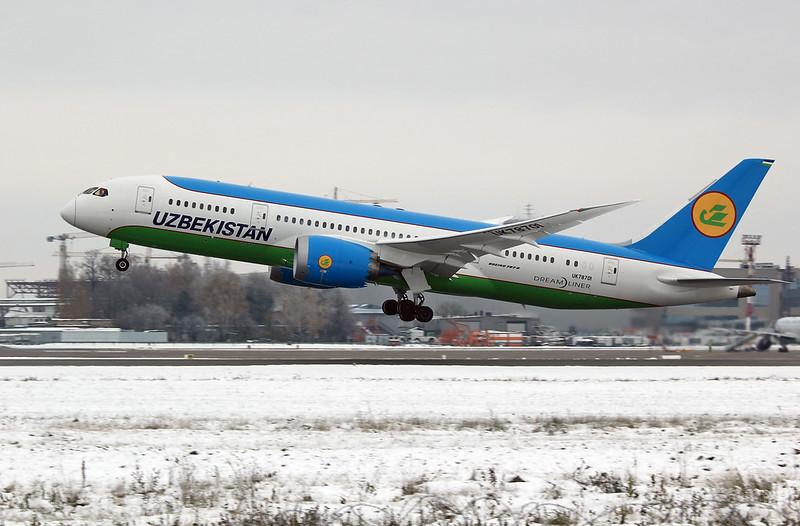 B787 Dreamliner Uzbek