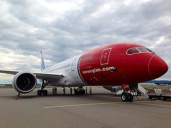 Norwegian B787-8 front (Norwegian)