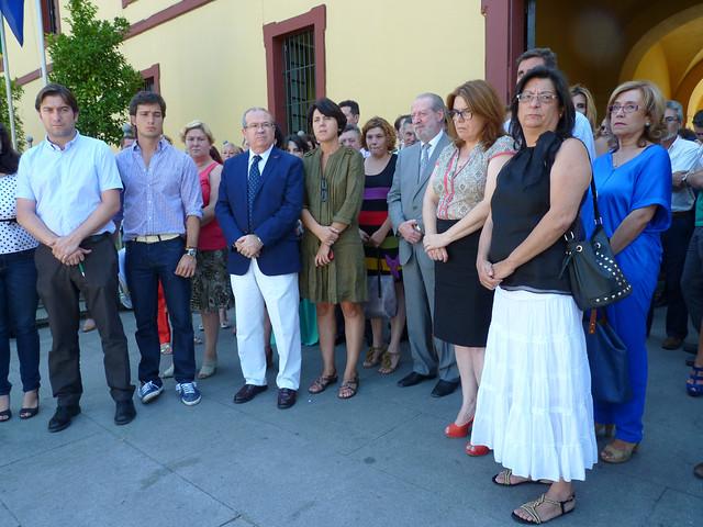 Pleno Diputación minuto de silencio víctimas Santiago