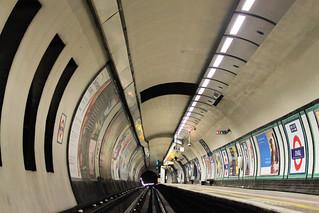 Oval Underground station