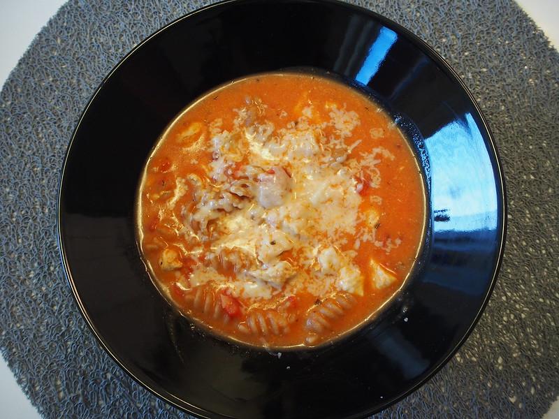 tomaattinen-kanapastakeitto opsikelijaruokaa (3)