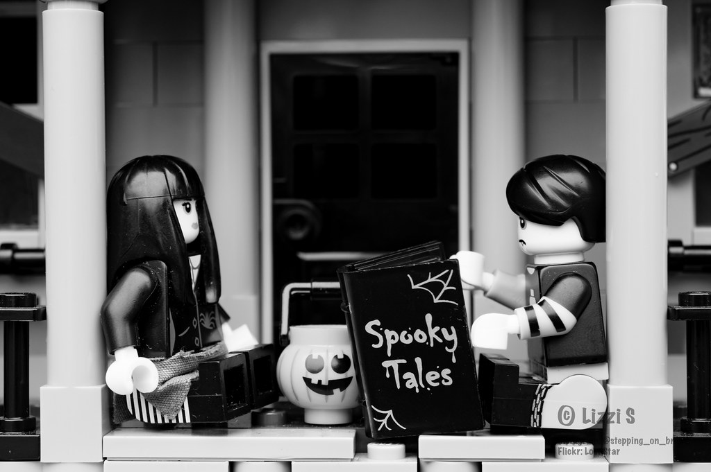 Settle in for some spooky tales (305:366)