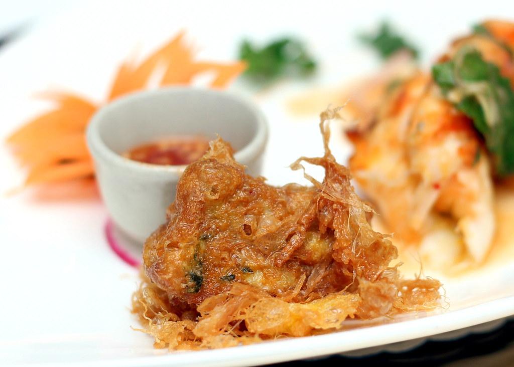 blue-elephant-restaurant-crispy-crab-souffle