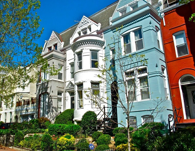 Pretty houses of Georgetown. Photo: Curtis Cronn, CC.