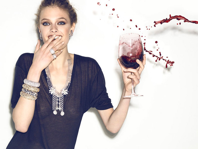 Constance-Jablonski-Plays-with-her-Food-6