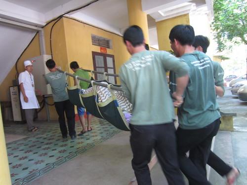 bear entering Vietnamese army hospital