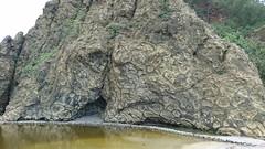 小港海岸・枕状溶岩