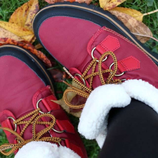 sorel boots red
