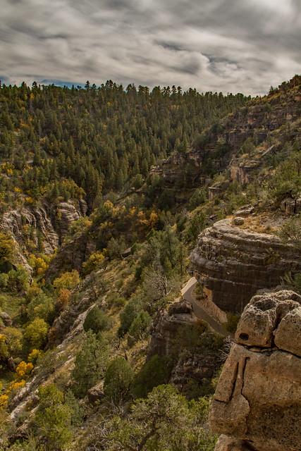 Walnut Canyon Island Trail