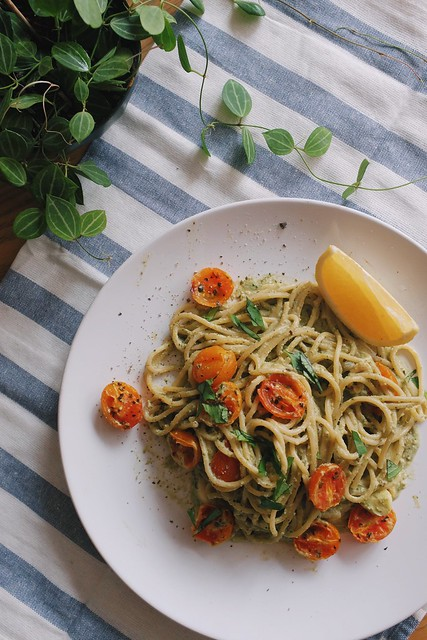 Spaghetti with Avocado Cashew sauce
