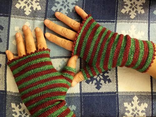 Christmas Mitts