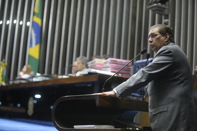 Com voto de Jader, Senado torna Dilma Rousseff ré no processo de impeachment