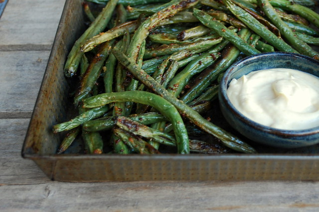 Roasted Green beans with dipping sauce 1