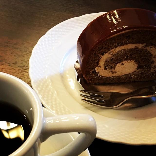 モカクリームロール星野コーヒー