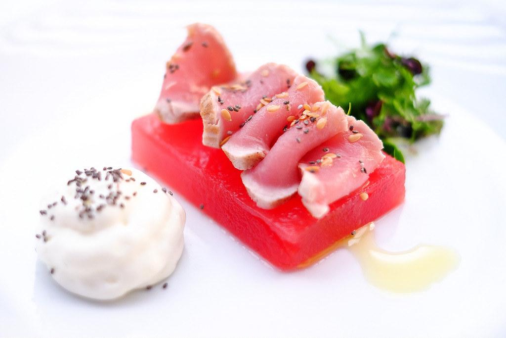 marriott-pool-grill-tuna-tataki
