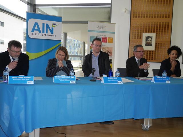 Signature de la convention de partenariat entre l'Agence pour l'éducation par le sport (APELS) et le département de l'Ain (collège Ampère à Oyonnax)