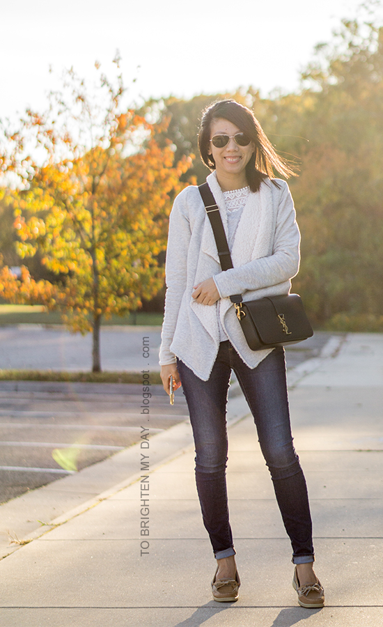 gray sherpa open cardigan sweater, gray lace top, skinny jeans, black crossbody bag, boat shoes